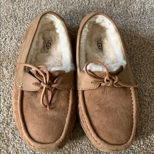 Uggs Slippers size US 8 men's